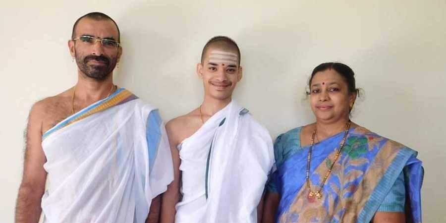 Priyavrata Patil of Goa with his father