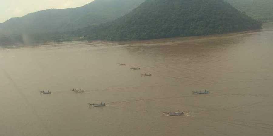 Andhra Pradesh: Boat capsizes in Godavari, 8 drown, several still missing