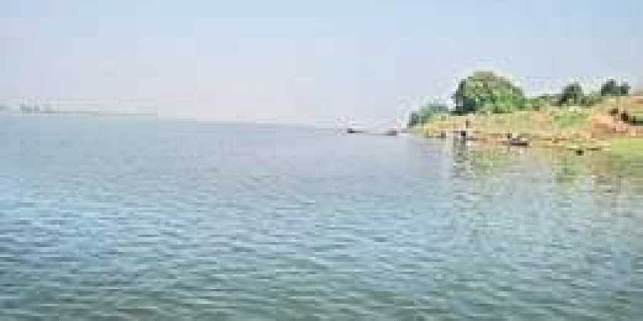 A barrage would be constructed at Dummugudem with a storage capacity of 30 to 40 tmcft.