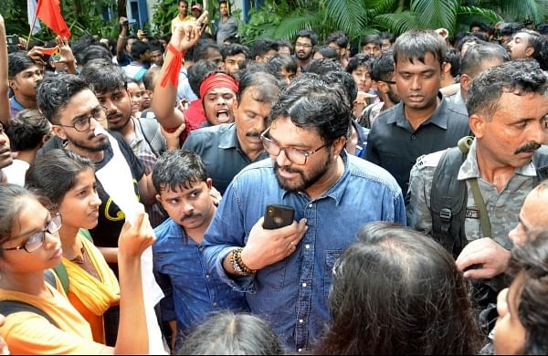 Babul Supriyo 'roughed up on Jadavpur campus, Bengal Governor rushes for rescue with police force