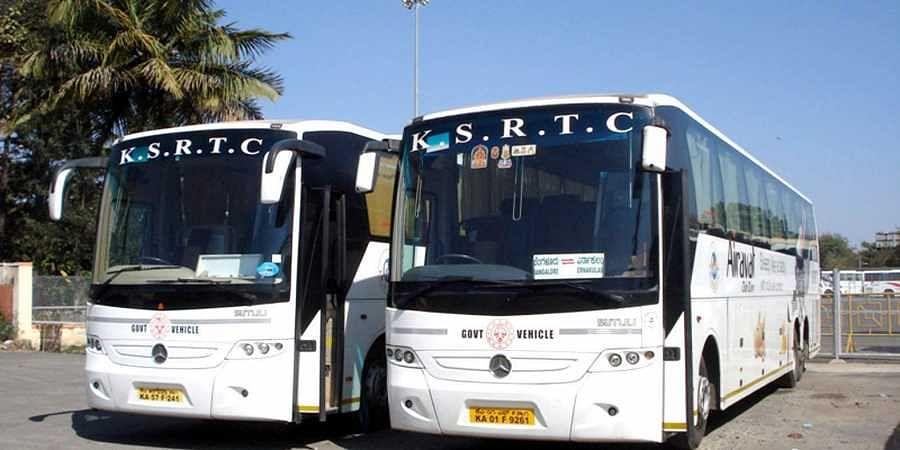 Karnataka Bus High Resolution Stock Photography and Images - Alamy