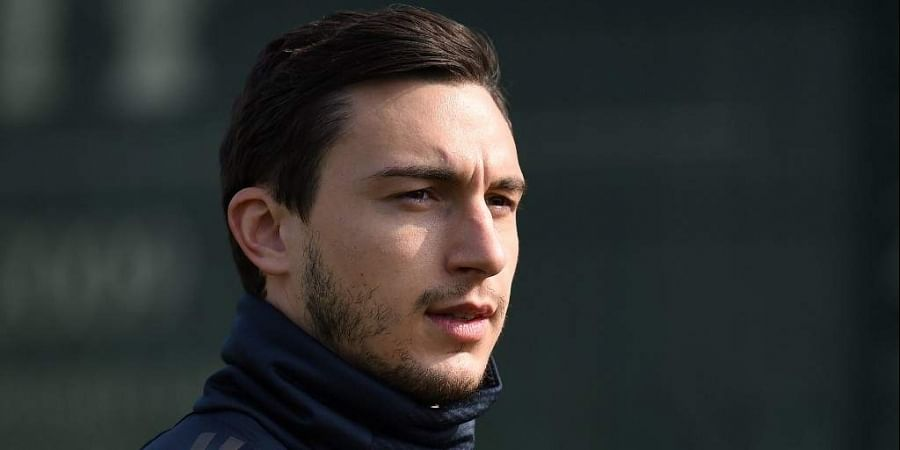Darmian leaves Man United to join Parma