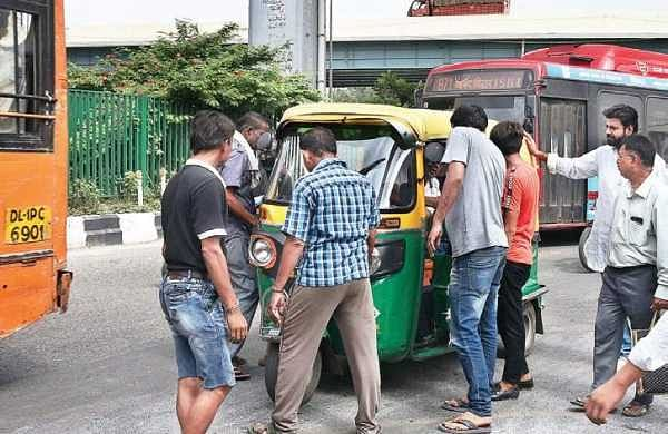 Hooligans enforce transport strike, attack cabbies and auto drivers in Delhi