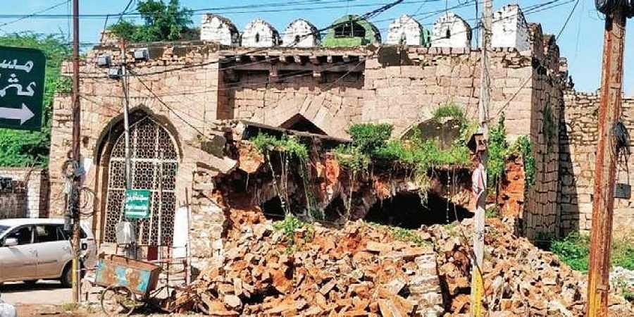 The age-old structure abutting Moti Darwaza in Golconda Fort in Hyderabad, that collapsed due to heavy rains