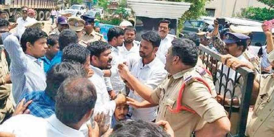 Rayalaseema JAC activists stage a protest in Nandyal on Saturday