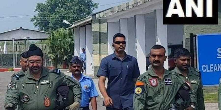 IAF chief Air Chief Marshal BS Dhanoa and Wing Commander Abhinandan Varthaman.