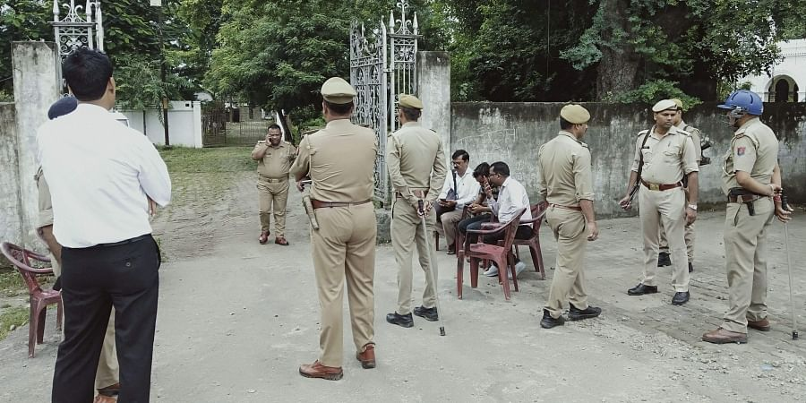 Security personnel deployed outside the residence of Congress leader Jitin Prasada who has been put under house arrest after being refused permission to take out a march in support of the jailed law student who has accused the BJP's Chinmayanand of rape in Shahjahanpur Monday Sept. 30 2019. | (Photo | PTI)