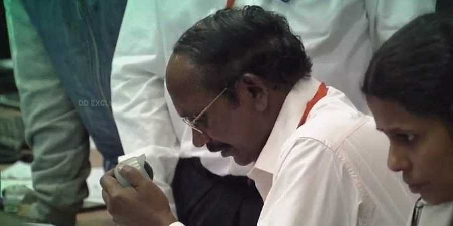 A dejected ISRO chief K Sivan announcing the loss of connectivity with Vikram.