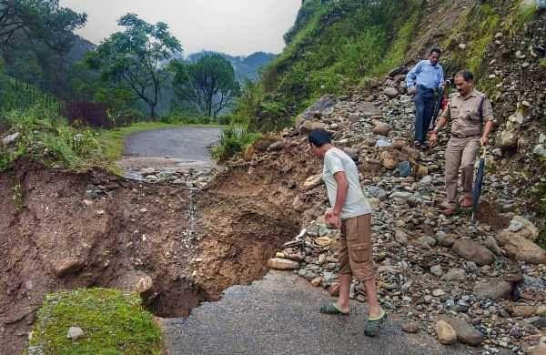 Uttarakhand: Heavy rains trigger landslides, 1500 pilgrims stranded