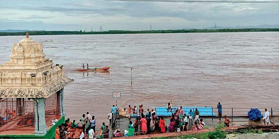 People of Bhadrachalam town, nearby villages in Bhadradri Kothagudem district suffer as Godavari in full spate.