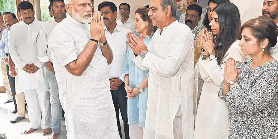 Modi at Ram Jethmalani's house