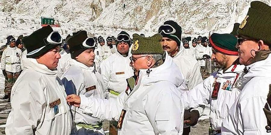 Army Chief General Manoj Mukund Naravane meets jawans at Siachen.
