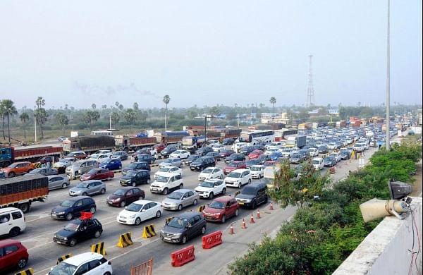 Sankranti rush chokes toll plazas on highways near Hyderabad