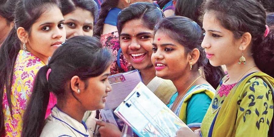 Girl students, Teenage girls