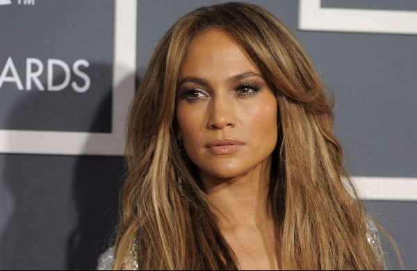 Jennifer Lopez, Armie Hammer to star in Lionsgate's 'Shotgun Wedding'