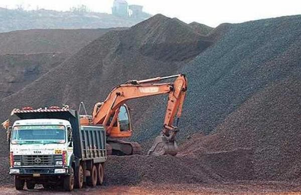 Seven landowners in Madhya Pradesh's Panna fined Rs 27 crore for 'illegal mining'