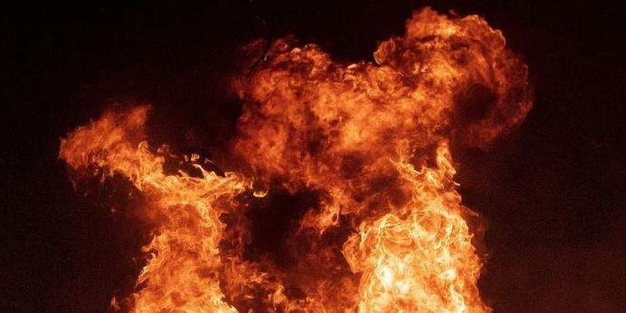 72-year-old anti CAA activist sets himself ablaze in Indore, battles for life...