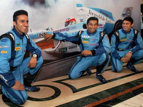 Lead Driver of A1 Team India, Narain Karthikeyan flanked by Rooki Drivers Armaan Ebrahim (R) and Parthiv Sureshwaren during a press conference in New Delhi.
