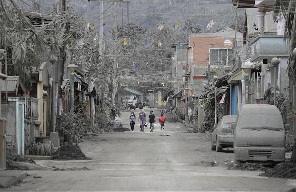 Philippines says danger high despite Taal volcano 'lull'