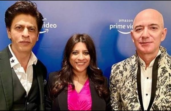 Shah Rukh Khan teaches Jeff Bezos to recite 'Don's' dialogue