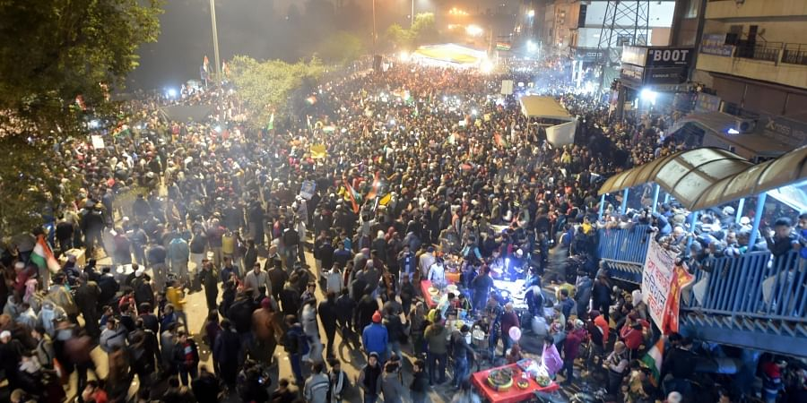 Anti-CAA protests: Delhi Police asks people to clear road at Shaheen Bagh...