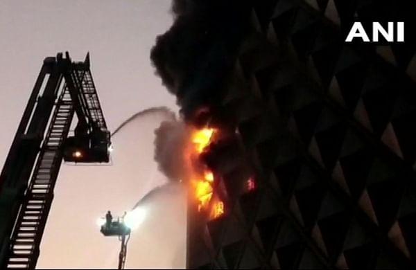Fire breaks out at market in Surat, 40 fire trucks atspot