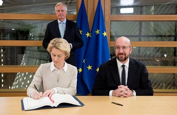 EU chiefs Ursula von der Leyen,Charles Michelsign Brexit deal ahead of parliamentary vote