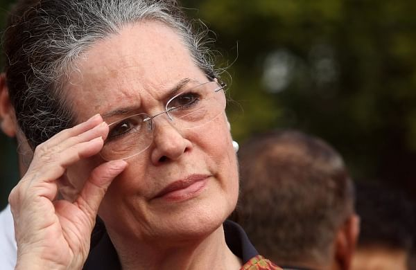 JVM-P legislature party heads towards split, two MLAs meet Sonia Gandhi