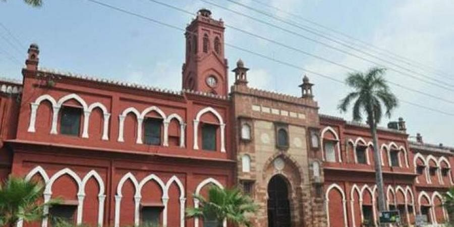 Over 600 Aligarh Muslim University students booked for blocking roads on  January 26- The New Indian Express