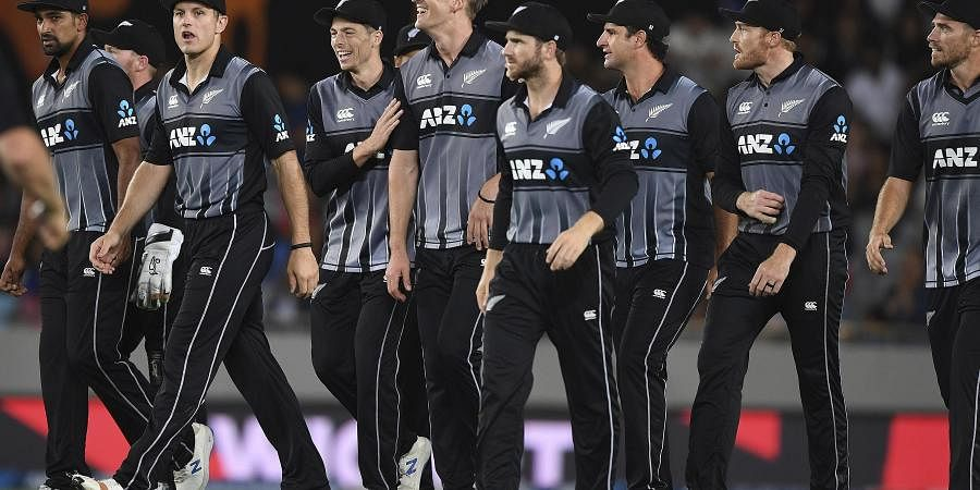 New Zealand players gather during the Twenty/20 cricket international between India and New Zealand in Auckland. (Photo | AP)