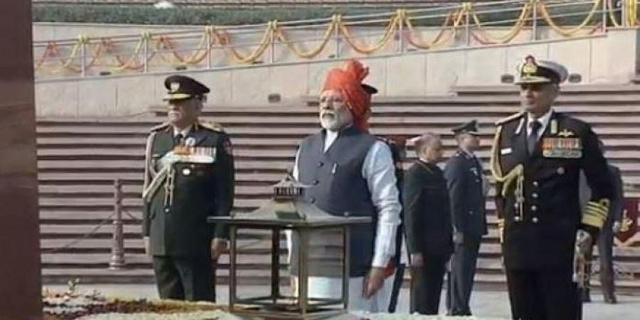 PM Modi leads the nation in paying tributes to the fallen soldiers, by laying a wreath at National War Memorial. (Photo | ANI)