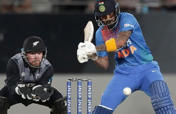 Kane Williamson wins toss, opts to bowl against India in third T20I