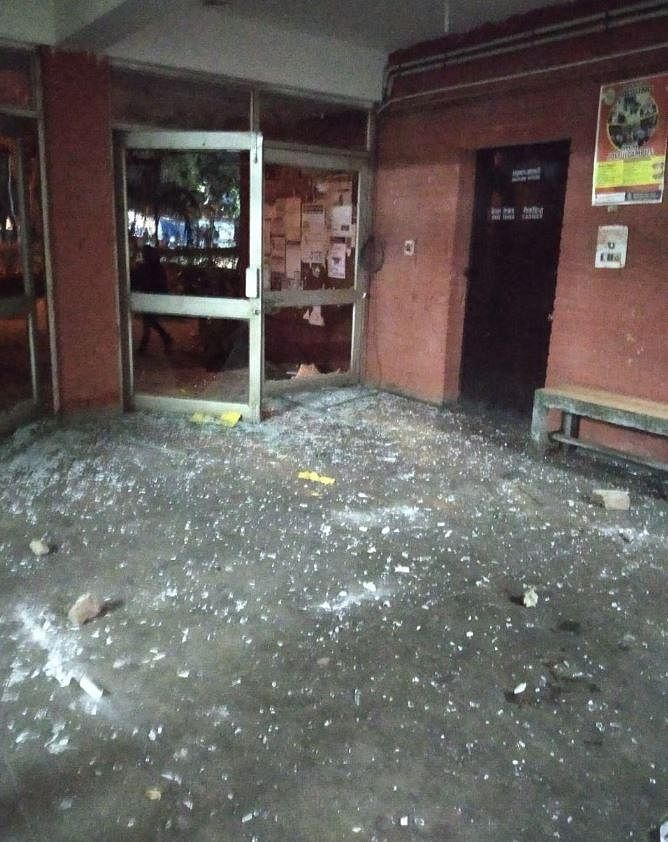 A photo of Sabarmati Hostel at the moment, as released by the JNU Students' Union. They tweeted that people were jumping from balconies.