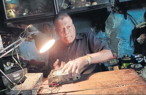 Broken radio? This man canfix it