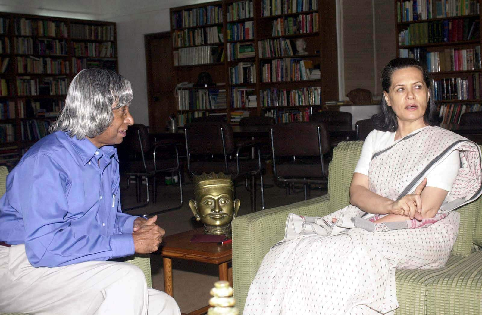 Congress President, Sonia Gandhi with then Presidential candidate A P J Abdul Kalam at her residence at New Delhi in 2002.