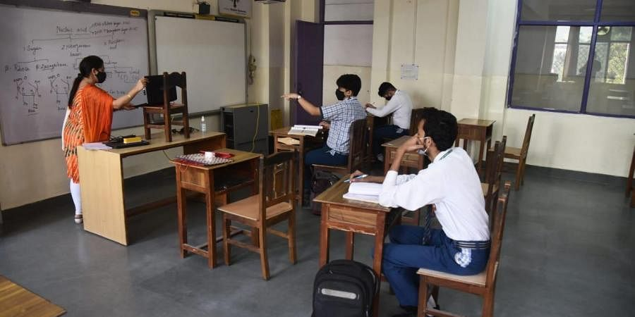 Schools reopen in UP with COVID-19 guidelines. (Photo  EPS/ Parveen Negi)