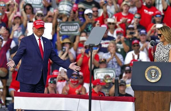 As coronavirus casessurge, Trump rallies keep packing in thousands- The New Indian Express