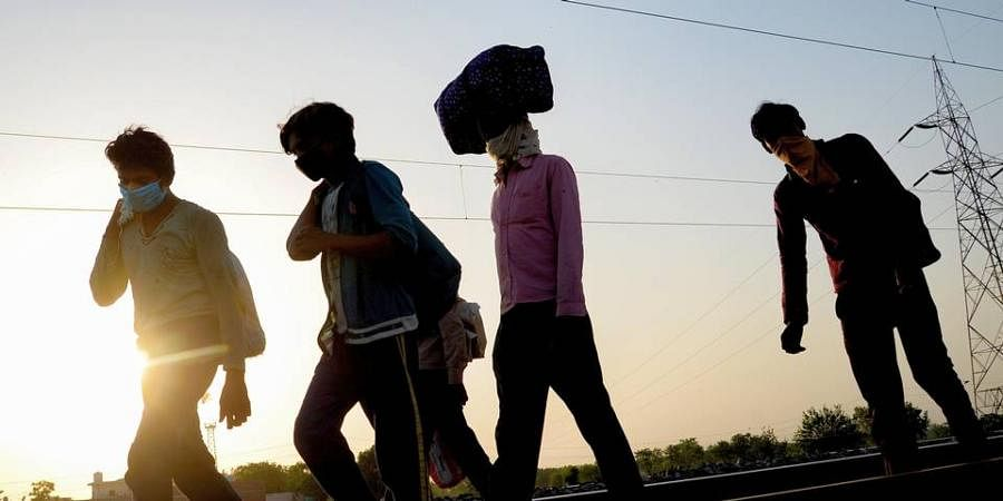 Migrant Issue: Post lockdown, there was a huge wave of reverse migration, with lakhs and lakhs of migrant workers moving back to their home state. Many states after few weeks of lockdown, arranged buses for transportation and in the list Bihar was one of the last states to do so.  With many migrants returning with a mindset of not leaving their home state, the leaders now need a plan to find employment and also provide basic provisions to them. (Photo | PTI)
