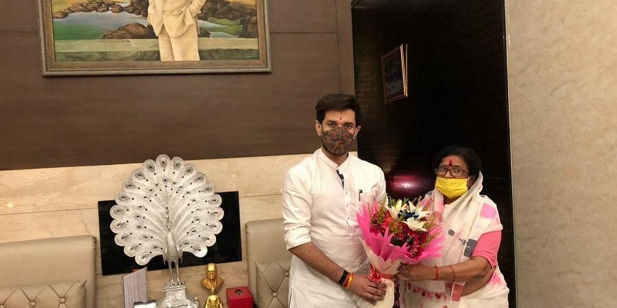 Usha Vidyarthi with Chirag Paswan. (Photo| ANI)