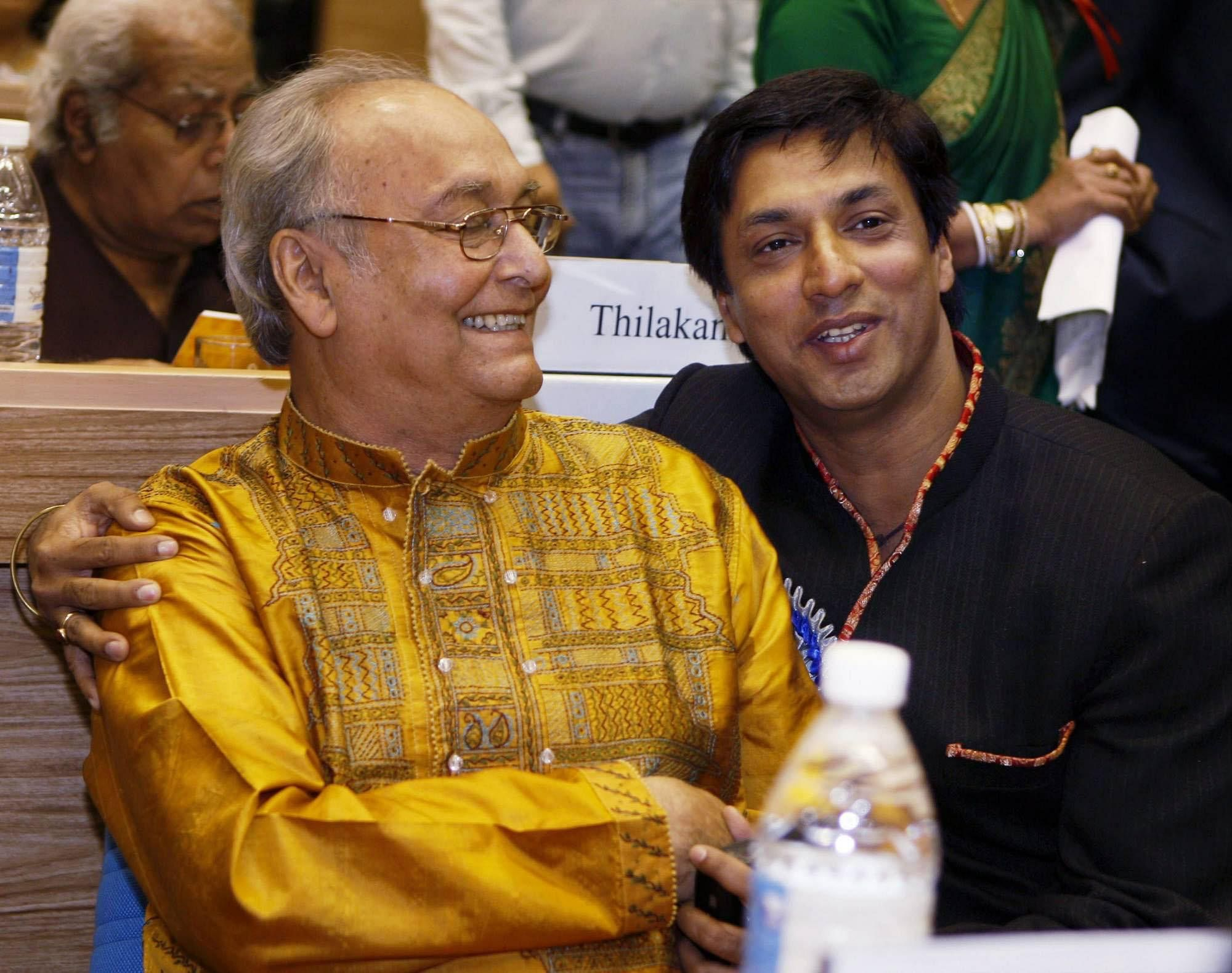 Best Actor Soumitra Chatterjee with Best Director Madhur Bhandarkar at the 54th National Film Awards function at Vigyan Bhawan in New Delhi.