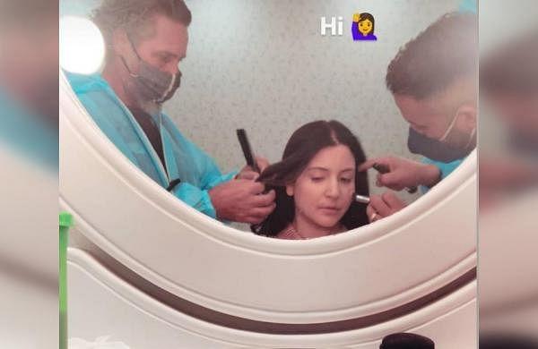 Pregnant Anushka Sharma goes back to work, shares glimpse of shoot