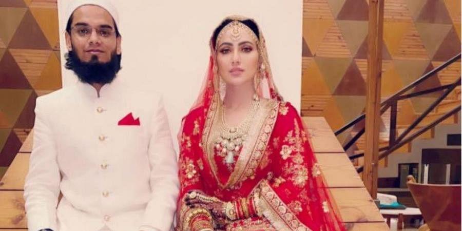 Sana Khan (R) with her groom Anas Sayed