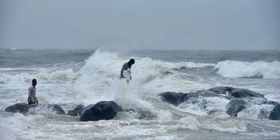 High tides at Covelong beach ahead of Nivar cyclone, in Chennai. (Photo | R Satish Babu, EPS)