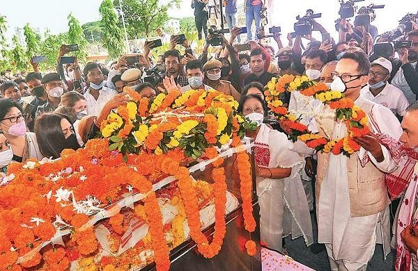 Crowds pour in for Gogoi, Ulfa faction pays respect