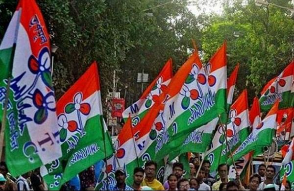 After BJP's rally, Trinamoolworkers 'sanitise' field with cow dung in Bengal's Birbhum