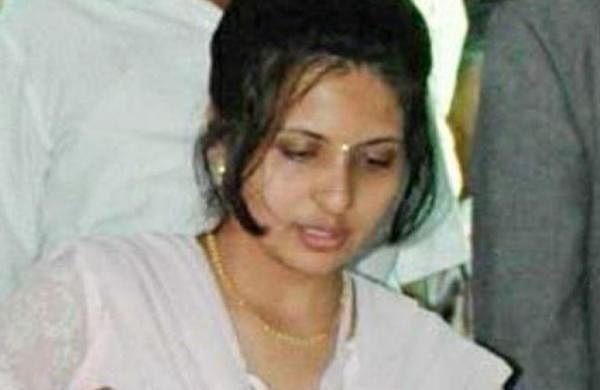 Baba Amte's medico granddaughter Sheetal Amte-Karajki dies by suicide