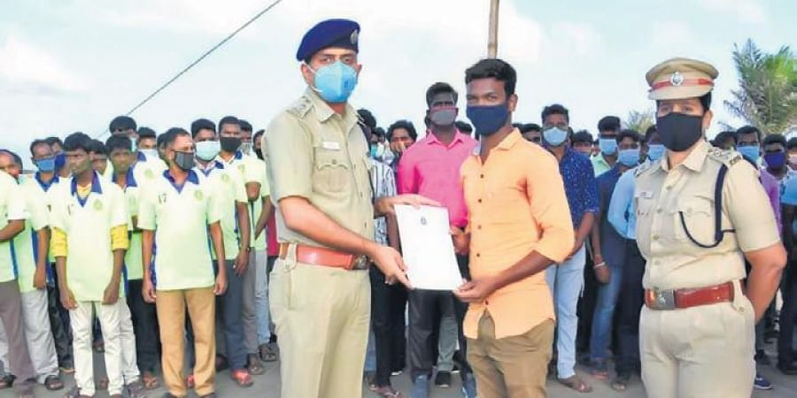 Superintendent of Police M Sree Abhinav met 165 volunteers on Saturday and lauded their service during the cyclone.