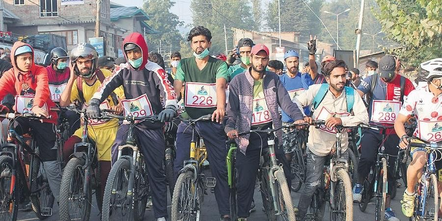 The Cyclathon about to kick off from Anantnag; the Lidder river in Pahalgam | Photographs by Wudav Brand Stories