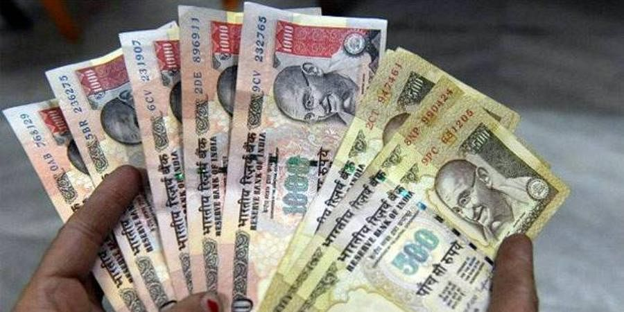 HOSPITALS REFUSETO SETTLE BILLS WITH OLD NOTES: In another critical problemthat came to the fore afterdemonetisation,hospitals stopped taking old notes.Then UnionLaw Minister Sadananda Gowda lost his brother who had been admitted ata private hospital and tried tosettle the billwith old notes but the hospital refused to accept them.