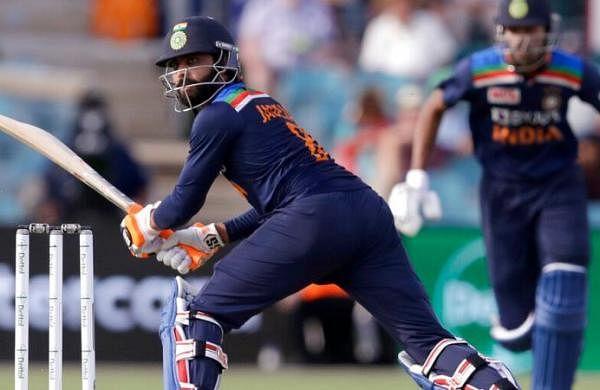 India vs Australia LIVE Score: Kohli falls butRavi Jadeja, HardikPandyatake India to 302/5